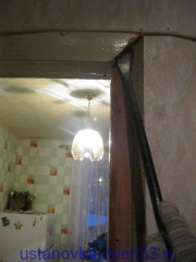 Демонтаж старых наличников. Установка дверей во Владимире.