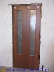 Уставновленный в проем дверной блок. Установка дверей во Владимире.