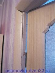 Ошибки непрофессионалов: ободранная дверная коробка. Установка дверей во Владимире.