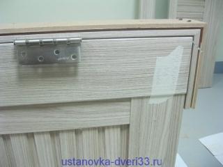Отмечаем положение петли на боковой стойке. Установка дверей во Владимире и области.
