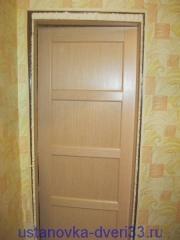 Добор вклеен в проем и запенен. Установка дверей во Владимире и области.