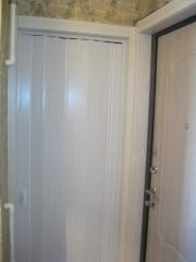 Дверь-гармошка глухая. Установка дверей во Владимире и области.