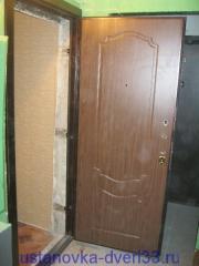 """Металлическая входная дверь \""""Эстет\"""" на своем месте. Установка дверей во Владимире."""