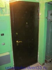 """Вид установленной металлической входной двери \""""Эстет\"""". Устанока завершена.Установка дверей во Владимире."""