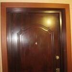Отделка проёма металлической двери (установка откосов)