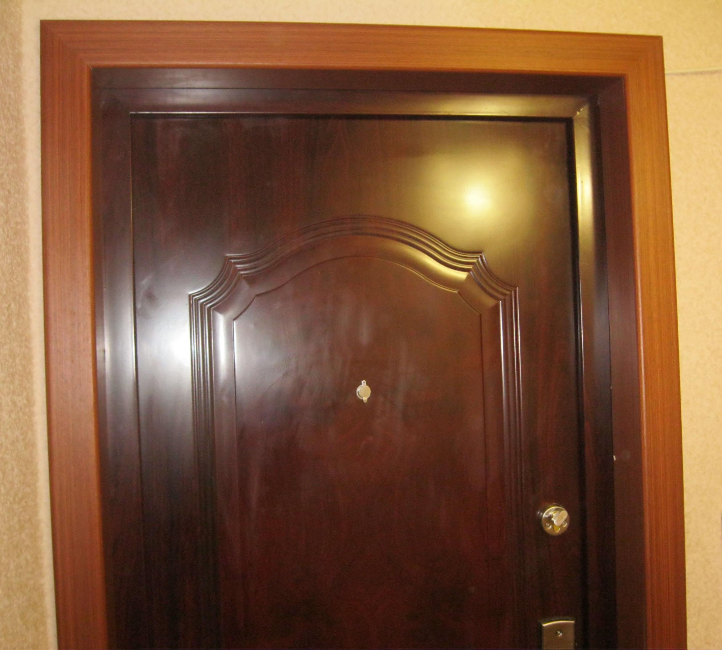 Отделка проема металлической двери (откосы). Установка дверей во Владмимире.
