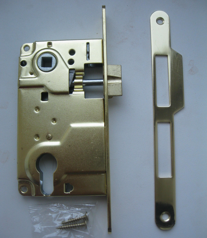Врезка замка с личинкой. Установка дверей во Владмимире.