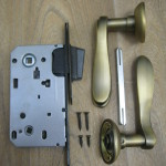 Установка магнитной защёлки (как установить магнитный замок)
