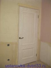 Дверь с врезанной ручкой-защелкой. Установка дверей во Владимире.