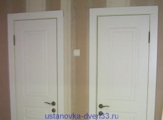 Наличники, запиленные под углом 90 градусов. Установка дверей во Владимире.
