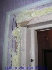 Ошибки непрофессионалов: ужасный стык коробочного бруса. Установка дверей во Владимире.