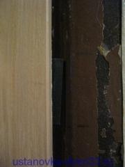 Место для установки ответной вланки в металлической коробке. Установка дверей во Владимире и области.