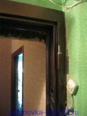 Регулировка уровня дверной коробки в проеме. Установка дверей во Владимире.