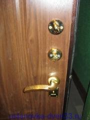 """Установленая фурнитура металлической входной двери \""""Эстет\"""".Установка дверей во Владимире."""