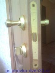 Безшумная защелка с фиксатором. Установка дверей во Владимире.